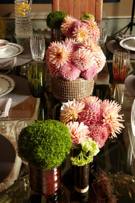 Flowers are essential for the perfect party #flowers #arrangement #party #decoration #interiors