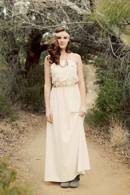 Boho wedding style complete with side-swept hair and headband.  Found @ktjean on Etsy.
