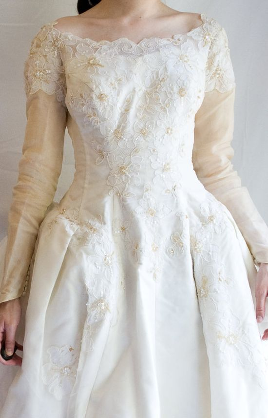 #wedding #dress #sleeve #sleeves #modest #bridal #gown #lace #vintage #cool #lds #mormon