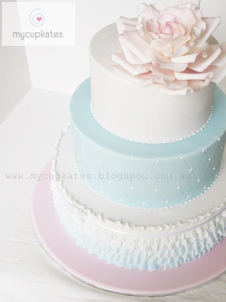 Soft pastel wedding cake