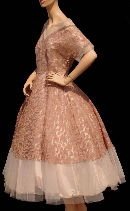 1950s fashion, i just love this dress!