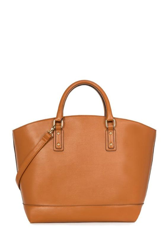 This ultra-chic everyday bag is a haute summer handbag staple!