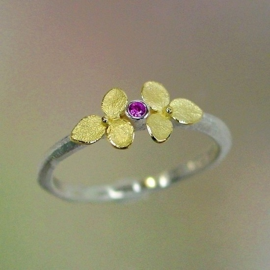 A stunning ring by jewller Patrick Irla, just gorgeous!