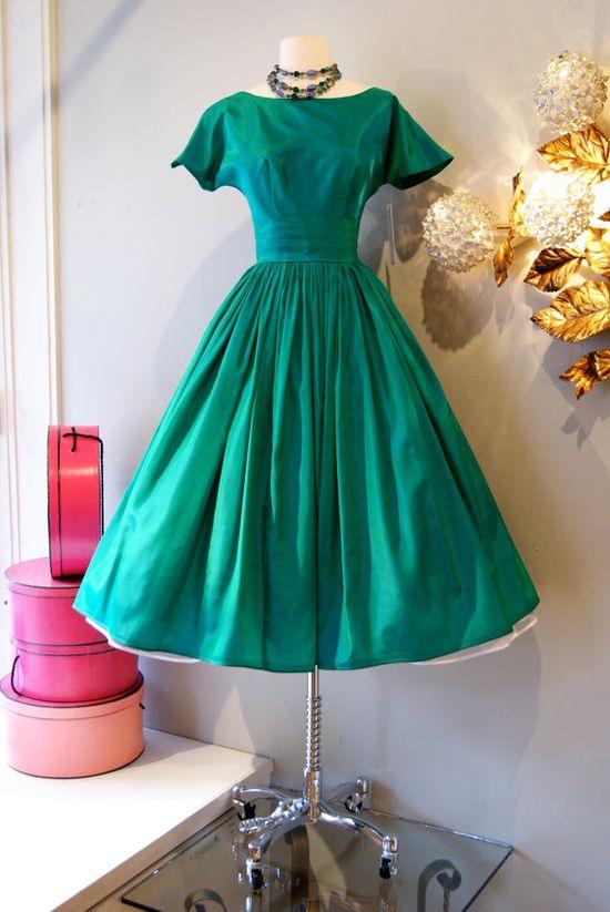 Vintage 1950's Dress // 50's Taffeta Teal Dream #promdress #dress #1950s #partydress #vintage #frock #retro #teadress #petticoat #romantic #feminine #fashion