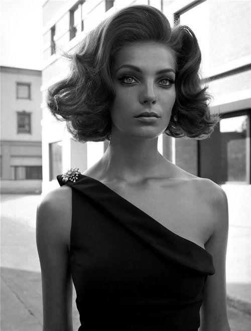 ?Cinema Stills? Vogue Italia, October 2003photographer: Steven Meisel Daria Werbowy black and white, hair (larger) wet behind the ears.: Cinema Stills. [dw]