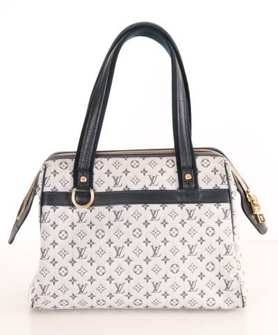 Oh I just LOVE this! If only I was rich :-) Louis Vuitton Handbag.