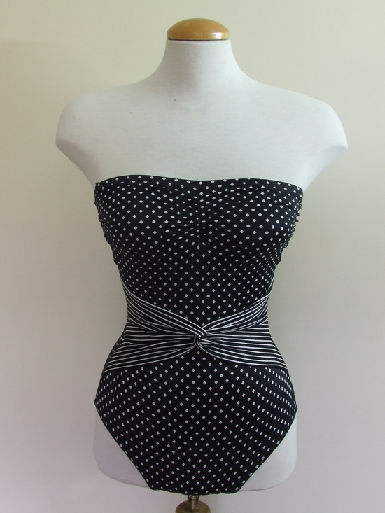 Pin Up Bathing Suit - One piece - 1970s 1980s SMALL. $30,00, via Etsy.