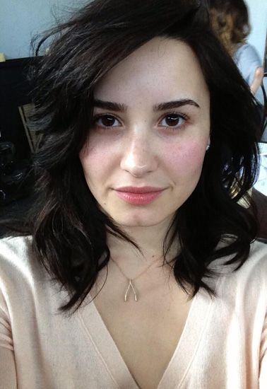 Demi Lovato Goes Without Makeup, Encourages Her Fans To Do The Same