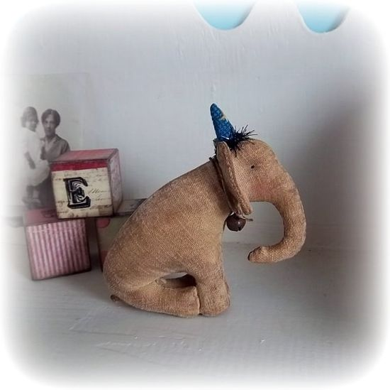 little circus elephant by northfieldprimitives on Etsy, £26.00