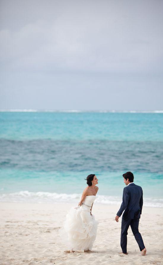 love this beach wedding photo