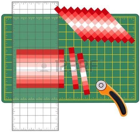 Patchwork: Cómo hacerlo usted mismo. Corte las tiras de tela cosidas, reorganizarse en patrones y diseños con una regla transparente, cuchilla giratoria en la estera de corte, para las artes, artesanías, costura, quilting, aplicaciones, proyectos de bricolaje. Foto de archivo - 12392228