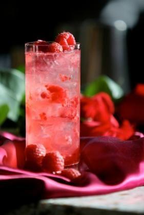 Raspberry Crush: Gin, Soda Water, Raspberries, Domaine de Canton Ginger Liqueur, Simple Syrup
