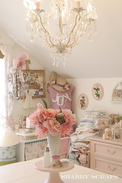 Shabby Cottage Chic room decor