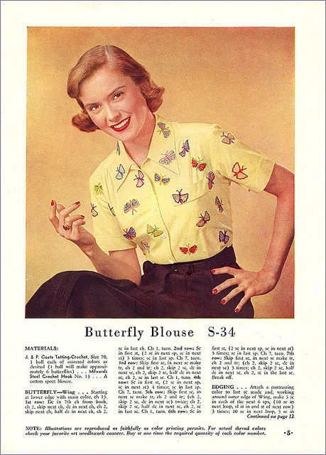 If I could crochet, I would whip up the butterflies for this endlessly fun 1950s blouse in a heartbeat! #vintage #1950s #blouse #crochet #butterflies #blouse #fashion