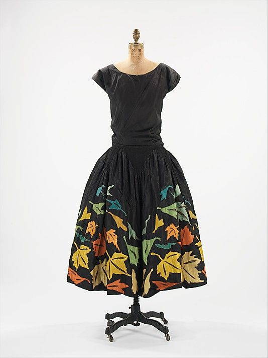Dress, Evening  Myrbor  (French, 1922–1936)    Date:      1924  Culture:      French  Medium:      silk, metal