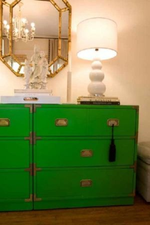 Decorating with the colour green - myLusciousLife.com - KELLY-GREEN-INTERIORS_DECORATING_MODERN-CHIC-HOME_BELLE-MAISON.jpg