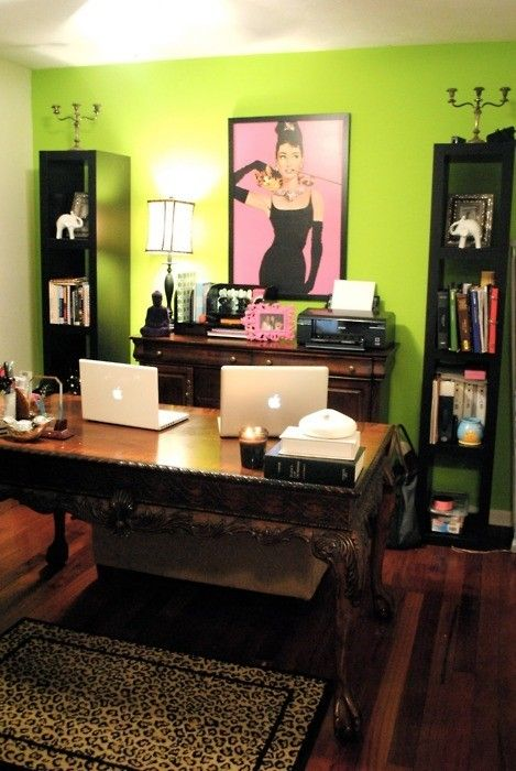 Home office idea, notice the Audry Hepburn pic in the back!