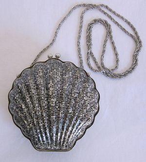 Shell purse