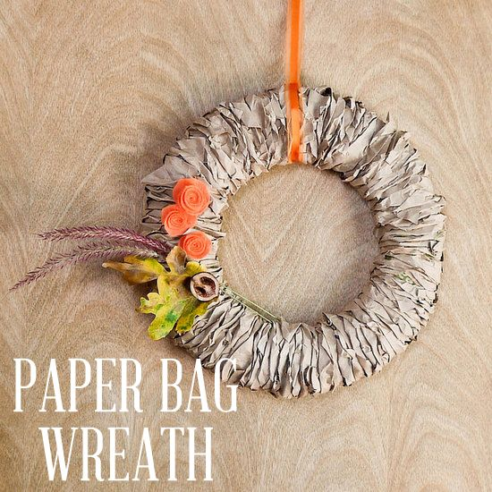 So cute! DIY Fall wreath made out of paper bags.