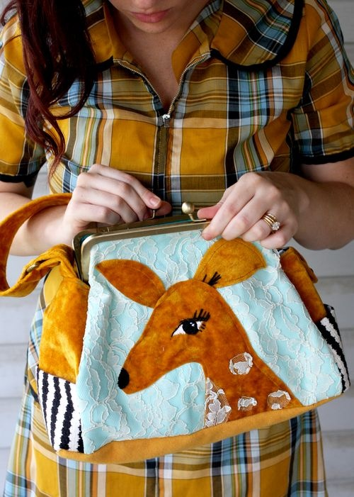 DIY sewing course that includes how to make a statement bag like this one. I'M SOLD.
