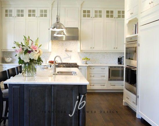 Kimbark kitchen designed by Jennifer Brouwer Design. #jbd #intdesign #kitchen #eatery #customdesign #millwork