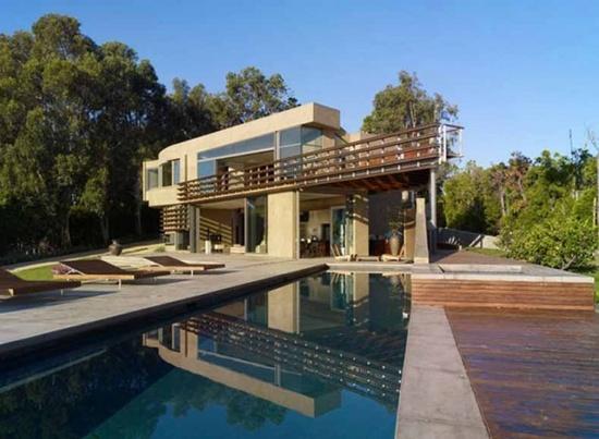 Modern Home Design in Malibu California Point Dume