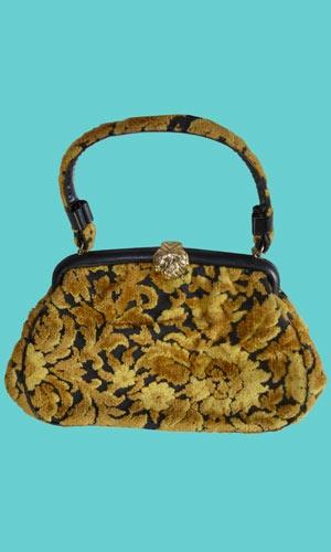 vintage 1960s carpet bag. love