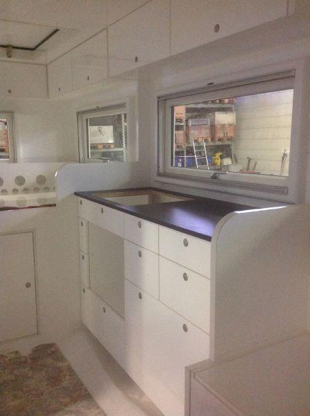 planetexplorer steyr 12m18 bigbil wohnmobil selbstausbau ein wohnmobil ausstatten. Black Bedroom Furniture Sets. Home Design Ideas