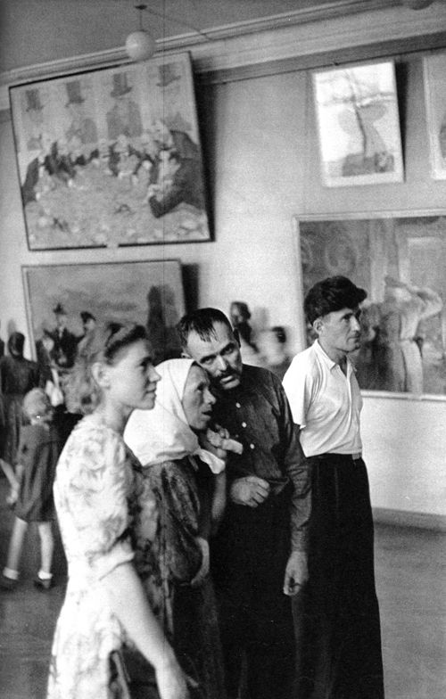 Tretyakovsky Art Gallery, Moscow, USSR. Henri Cartier-Bresson was in Moscow in 1954 to prepare a book documenting daily life under communism.: