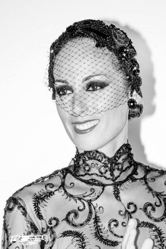 La modelo Carolina Bernal lució como nadie uno de nuestros últimos diseños de pasarela.