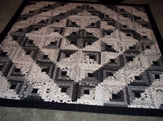 Black and white log cabin star