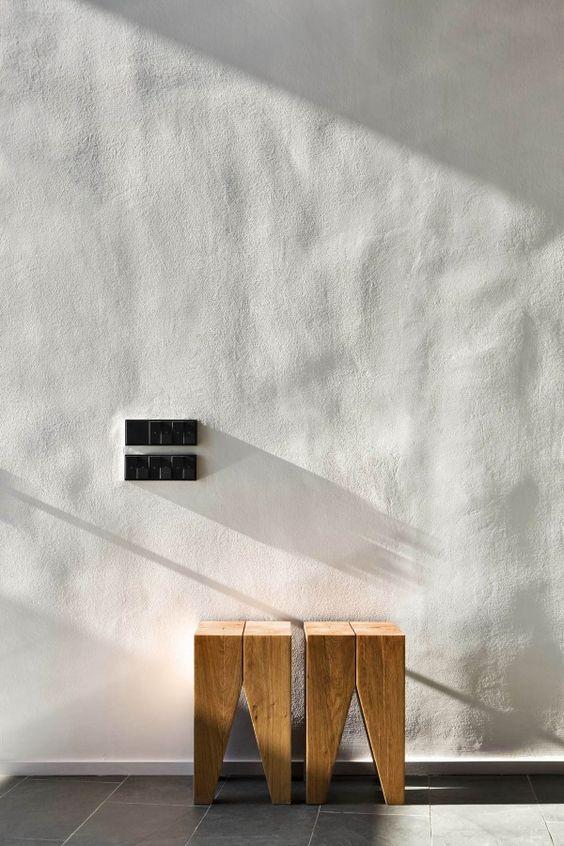 Bumpy plaster wall