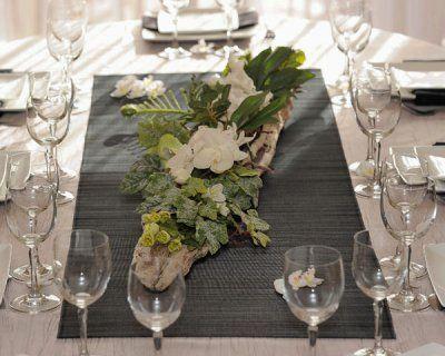Composition de fleurs et bois flott composition centre for Centre de table en bois