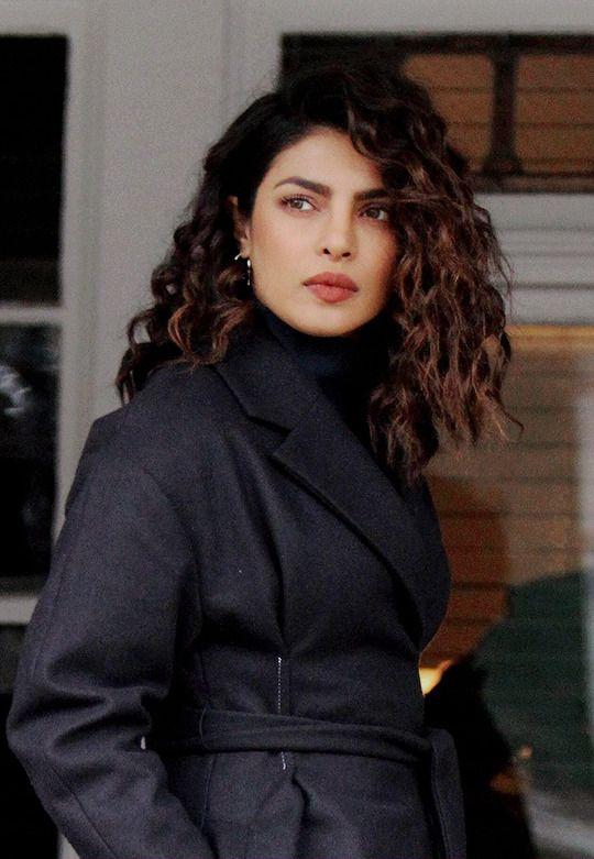 Priyanka Chopra Priyanka Chopra Hair Curly Hair Styles Hair Styles