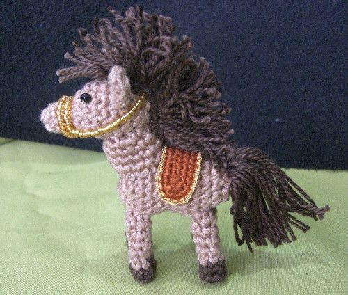 A copy of this pattern is also available on the Crochetville forum.