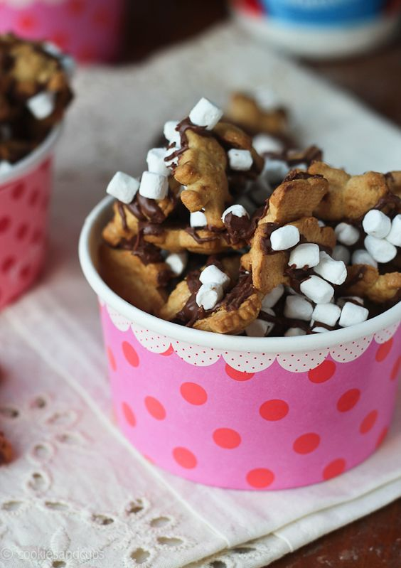S'mores Snacks by cookieandcups via sumpretty. #Snacks #Smores