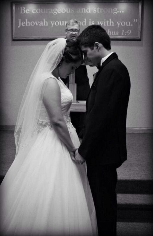 Kingdom Hall Wedding Photography Jw Divorce Wedding Wedding Photography Wedding Photos