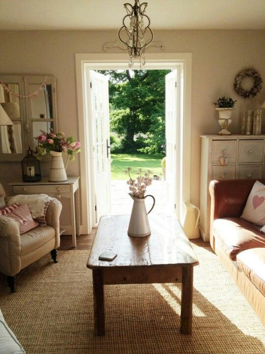 Pretty Sitting Room