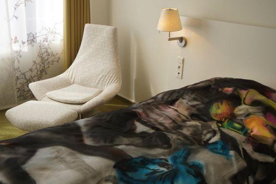 AUCTION UNIQUE BED COVERS