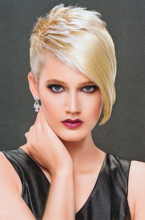 Die 7 Gehypdesten Kurze Frisuren Kurze Haare 2020 In 2020 Flippige Kurzhaarfrisuren Schone Frisuren Kurze Haare Frisuren Kurze Haare Schmales Gesicht