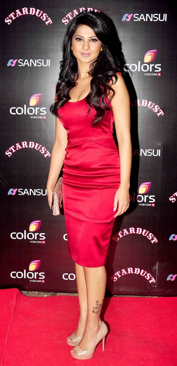 Jennifer Winget at the Stardust Awards 2014. #Bollywood #Fashion #Style #Beauty