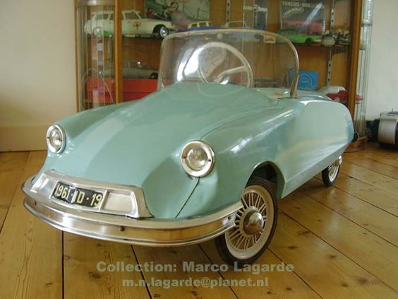 citroen id tri ang 1961 pedal car voiture p dales made in france old pedal cars. Black Bedroom Furniture Sets. Home Design Ideas