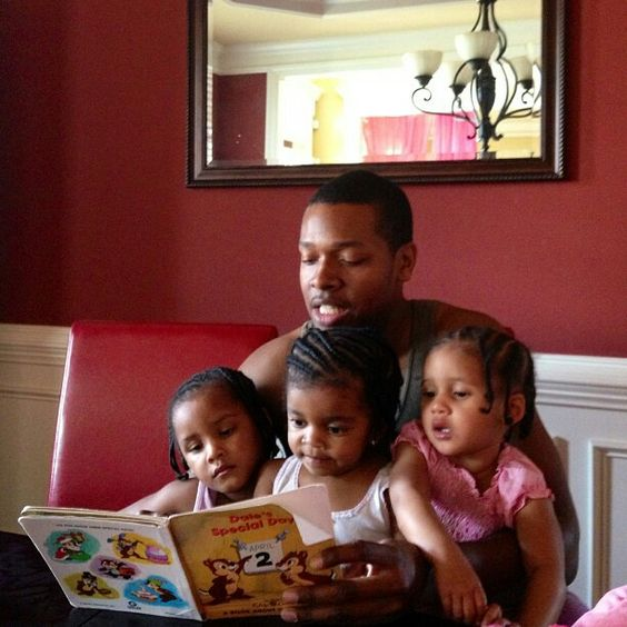 Real men read to their children