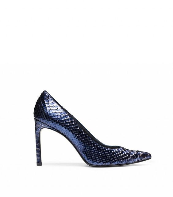 Stuart Weitzman The Heist Pump: