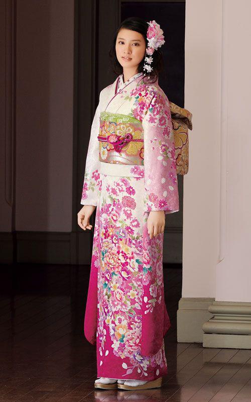白にピンクの着物の武井咲
