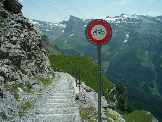 Verboden te fietsen....Gemmipas