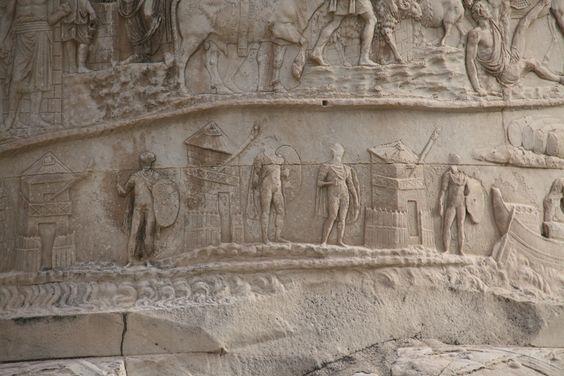 Torres de señales en la columna Trajana (Roma)