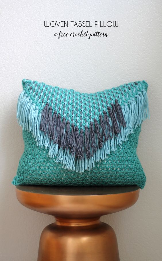 This crochet pillow pattern is just what a boho home needs!