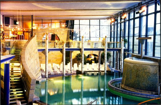 Wandmalerei #Schwimmbadbau #Schwimmbaddesign #Pooldesign   Luxusbad  Whirlpool