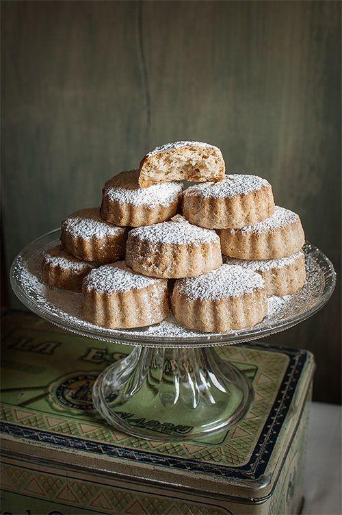 Spanish Christmas Cake (Mantecados Sencillos) Recipe